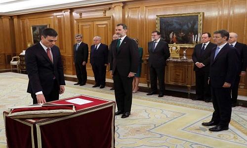 Pedro Sánchez toma posse como novo chefe do governo da Espanha