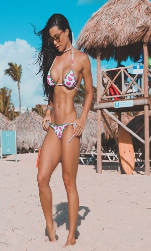 Fernanda D'Avila mostra corpaço na paradisíaca Punta Cana