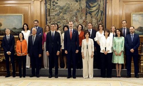 Novo primeiro-ministro da Espanha nomeia gabinete com maioria de mulheres