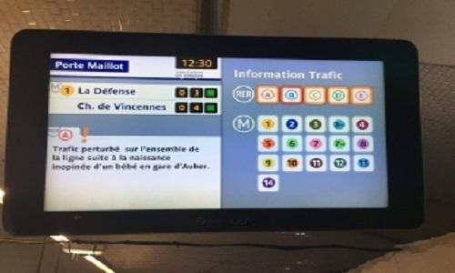 Mulher dá luz em trem no centro de Paris