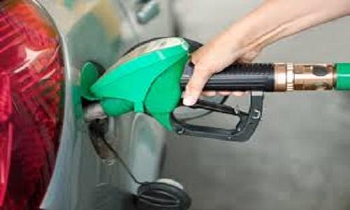 Preço do combustível nos postos cai pela  3ª semana