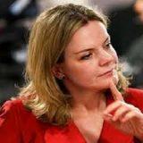 Gleisi Hoffmann, a 'ex-estrela em ascensão',enfrenta julgamento no STF