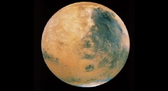 Cientistas encontram água líquida em Marte e chances de vida existem