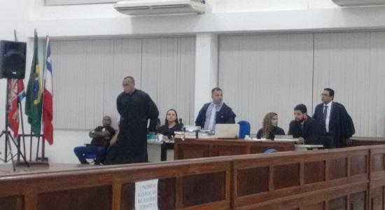 Julgamento do policial que matou o tio termina 4:30 dessa sexta feira. ele foi condenado a 12 anos de prisão