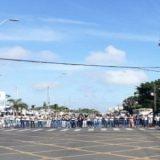 Estudantes voltam a fechar o cruzamento da Av. Maria Quitéria com a Presidente Dutra