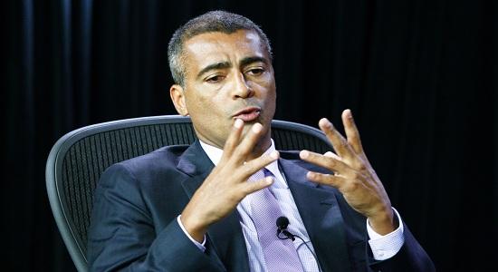 Romário lidera disputa pelo governo do Rio de Janeiro