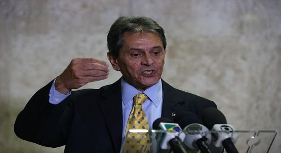 Roberto Jefferson e ex-ministro do Trabalho são denunciados pela PGR