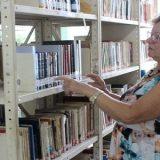 FREQUENTADORES DA BIBLIOTECA MUNICIPAL DE FEIRA DE SANTANA DOAM 2 MIL LIVROS