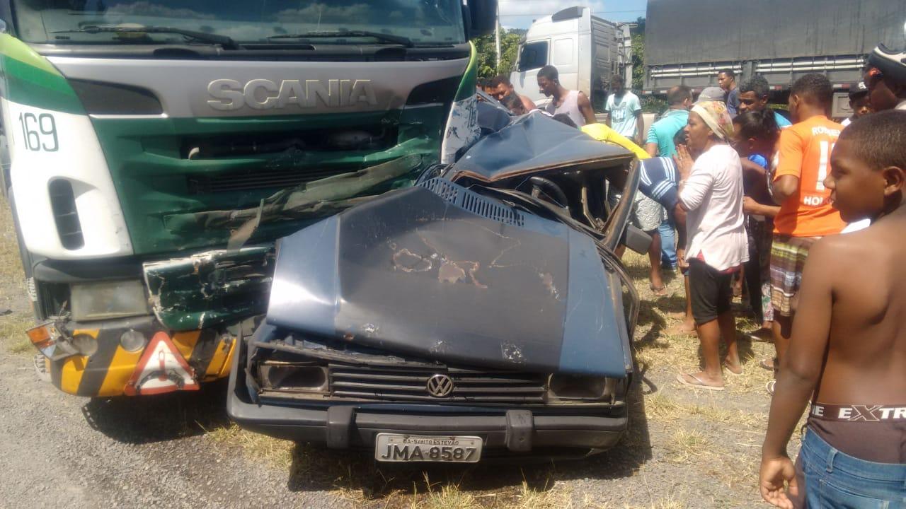 Colisão na BR 116 próximo a Santo Estevão Velho mata seis pessoas