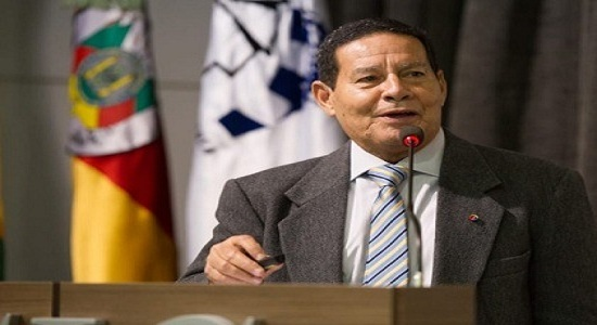 Coronel acusa vice de Bolsonaro de favorecer empresa no Exército