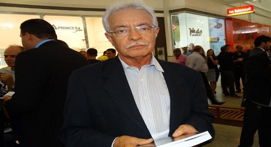 Ator teatral nos anos 60, Luciano Ribeiro descreve movimentação cultural dos jovens na época