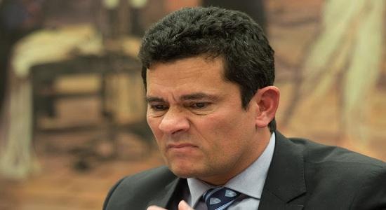 MANIFESTANTES VAIAM MORO EM SALVADOR APÓS LUDIBRIAR JUSTIÇA