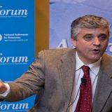 Professor de Harvard afirma que o Brasil precisa é sair da tormenta sem eleger um autoritário