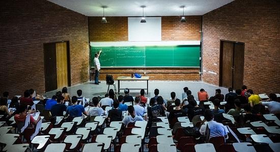 Governo Temer quer deixar definido o fim das bolsas de pós-graduação em 2019