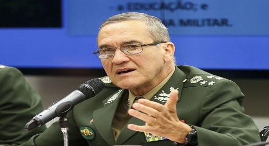 Militar é único a engajar-se contra violência, diz general Villas Bôas