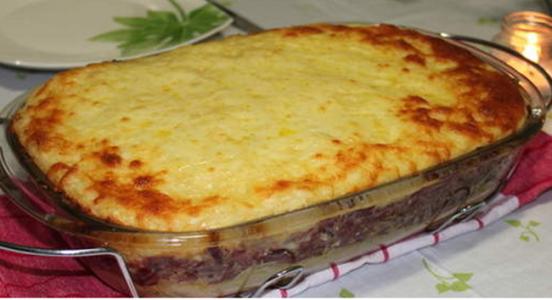 Torta de batata doce com carne de sol