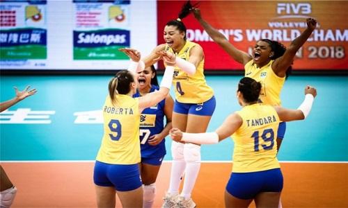 Seleção brasileira feminina de vôlei venceu o Japão de virada