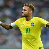 Neymar cumpre plano de Tite e se abre mais na seleção brasileira