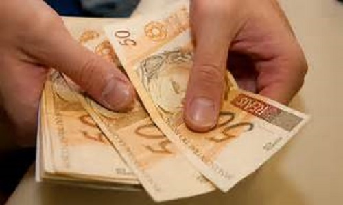 Vendas do varejo sobem  revela IBGE