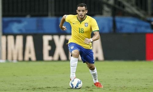 O técnico Tite convocou  Renato Augusto e Alex Sandro no lugar de dois jogadores machucados