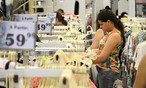 Vendas do comércio caem  e tem pior setembro desde 2000