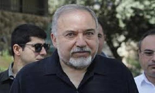 O  ministro Avigdor Lieberman anuncia demissão após cessar-fogo em Gaza