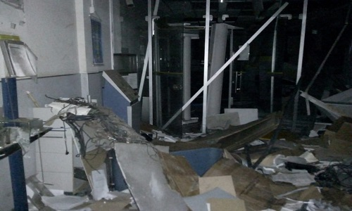 Bandidos explodiu caixas eletrônicos de agência