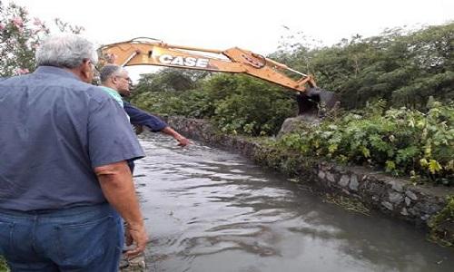 A Prefeitura  de Feira deflagra ações emergenciais pra impactos  da chuva