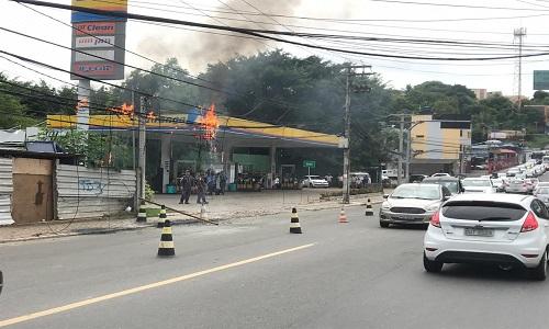 Fiação pegou fogo em bairro de Salvador