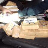 Homem foi preso com 25 kg de cocaína escondida em fundo falso de carro na Bahia