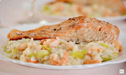 Risoto de camarão com salmão