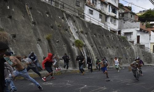 A Venezuela prendeu mais de  75 crianças na repressão de manifestações contra Maduro