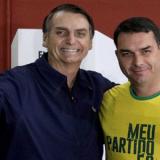 """Líder do PSL na câmara diz que """"ninguém vai passar a mão na cabeça"""" de Flávio Bolsonaro"""
