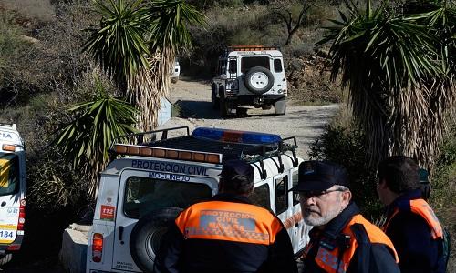 Os Bombeiros espanhóis estão tentando  resgatar menino em poço de mais 95 metros de profundidade