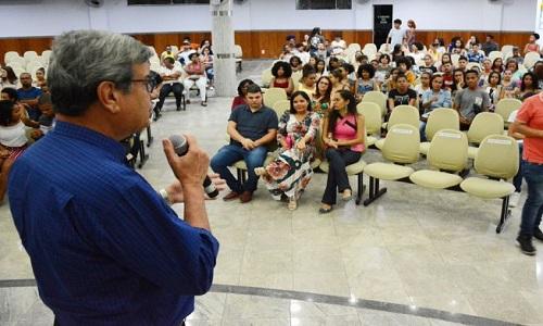 Uma receita de sucesso foi passada pelo prefeito de feira de Santana na abertura do Pré-Vestibular Cidadão