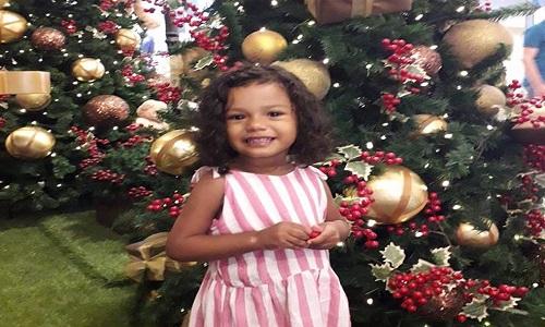 Menina de 2 anos vítima de bala perdida morreu  no litoral de SP