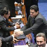 Renan desiste e Davi Alcolumbre é o novo presidente do Senado