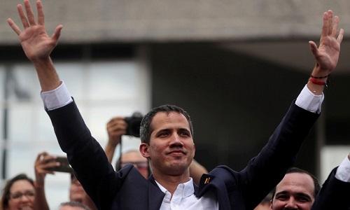 Venezuela: Maduro e Guaidó convocam novos protestos no país.