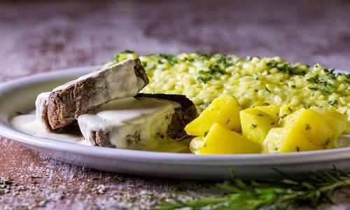 Filé mignon com queijo coalho.