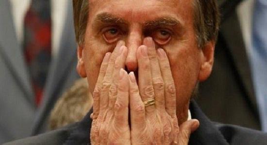 Bolsonaro usa fake news para agredir e promover linchamento de jornalista