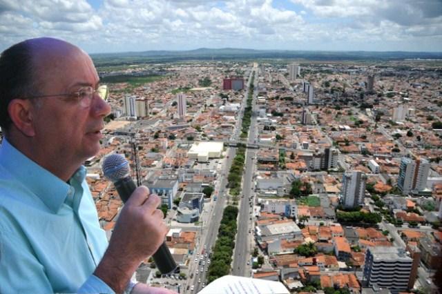 Sucessão municipal: Ex-prefeito José Ronaldo afirma que Colbert é candidato natural