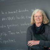 "Karen Uhlenbeck, a pioneira ""imperfeita"" que levou o 'Nobel' de Matemática"