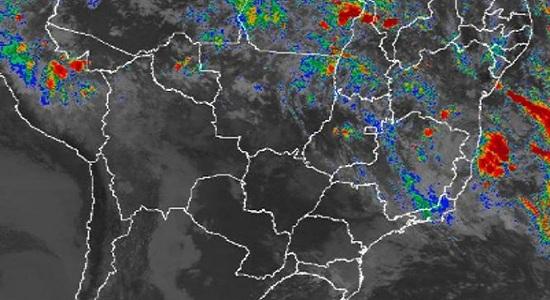 O perigo vem do mar: ciclone pode atingir Bahia neste fim de semana