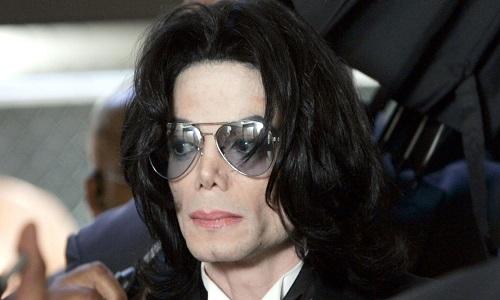Novas denúncias de pedofilia, devemos parar de ouvir Michael Jackson?