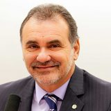 Pelegrino quer que PT congele candidaturas
