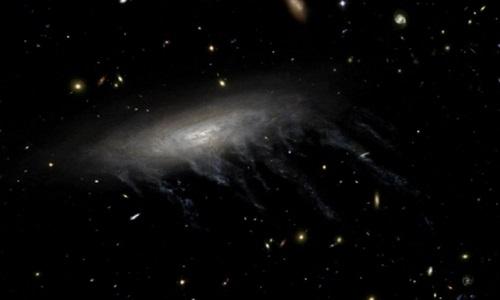 """Equipe de astrônomos encontram buraco negro """"invisível"""""""