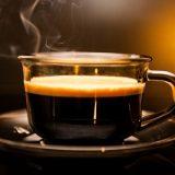 Insônia, falta de ar e angústia: sintomas causado pelo café