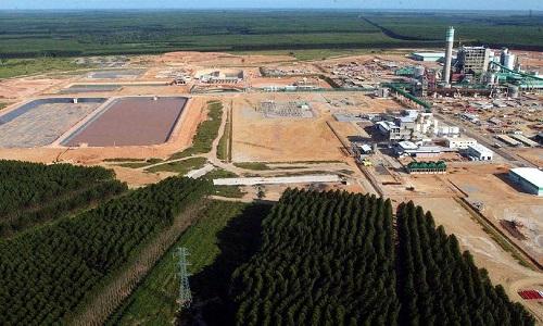 Produção industrial recua 0,8% de dezembro para janeiro,segundo IBGE.