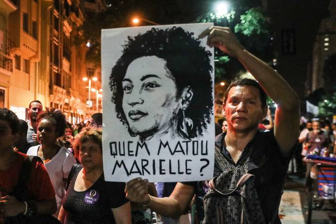 LIGAÇÃO DO CLÃ BOLSONARO COM MORTE DE MARIELLE É ATERRORIZANTE