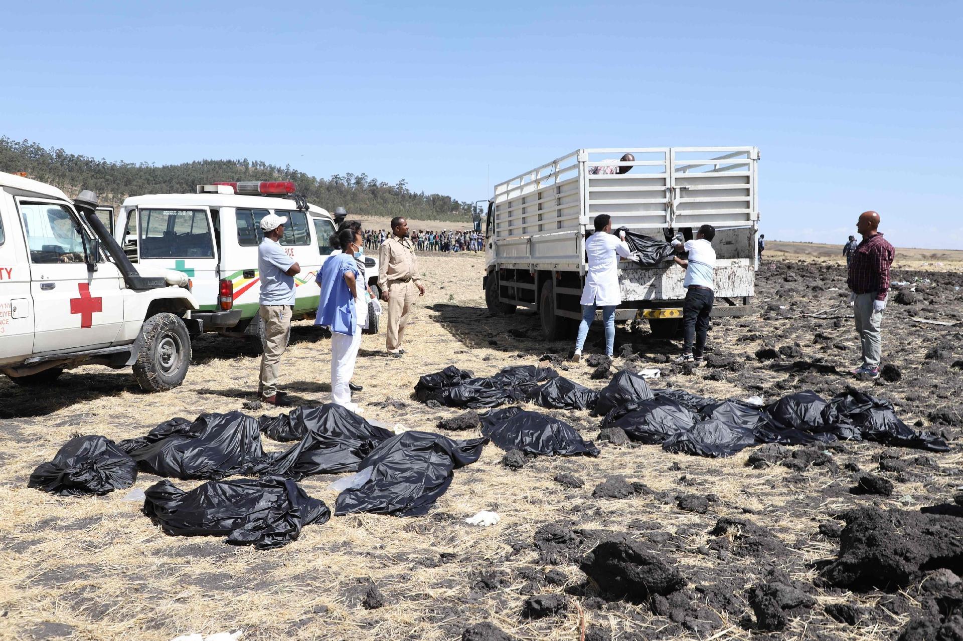 Avião Boeing 737 da Ethiopian com 157 pessoas caiu durante um voo de Adis Abeba